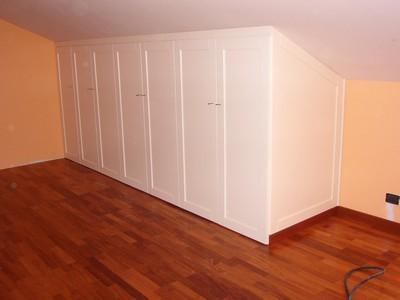 Mobili e arredamento per la mansarda ed il sottotetto for Mobili per arredamento