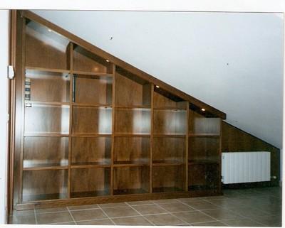 Mobili e arredamento per la mansarda ed il sottotetto for Arredamento scale