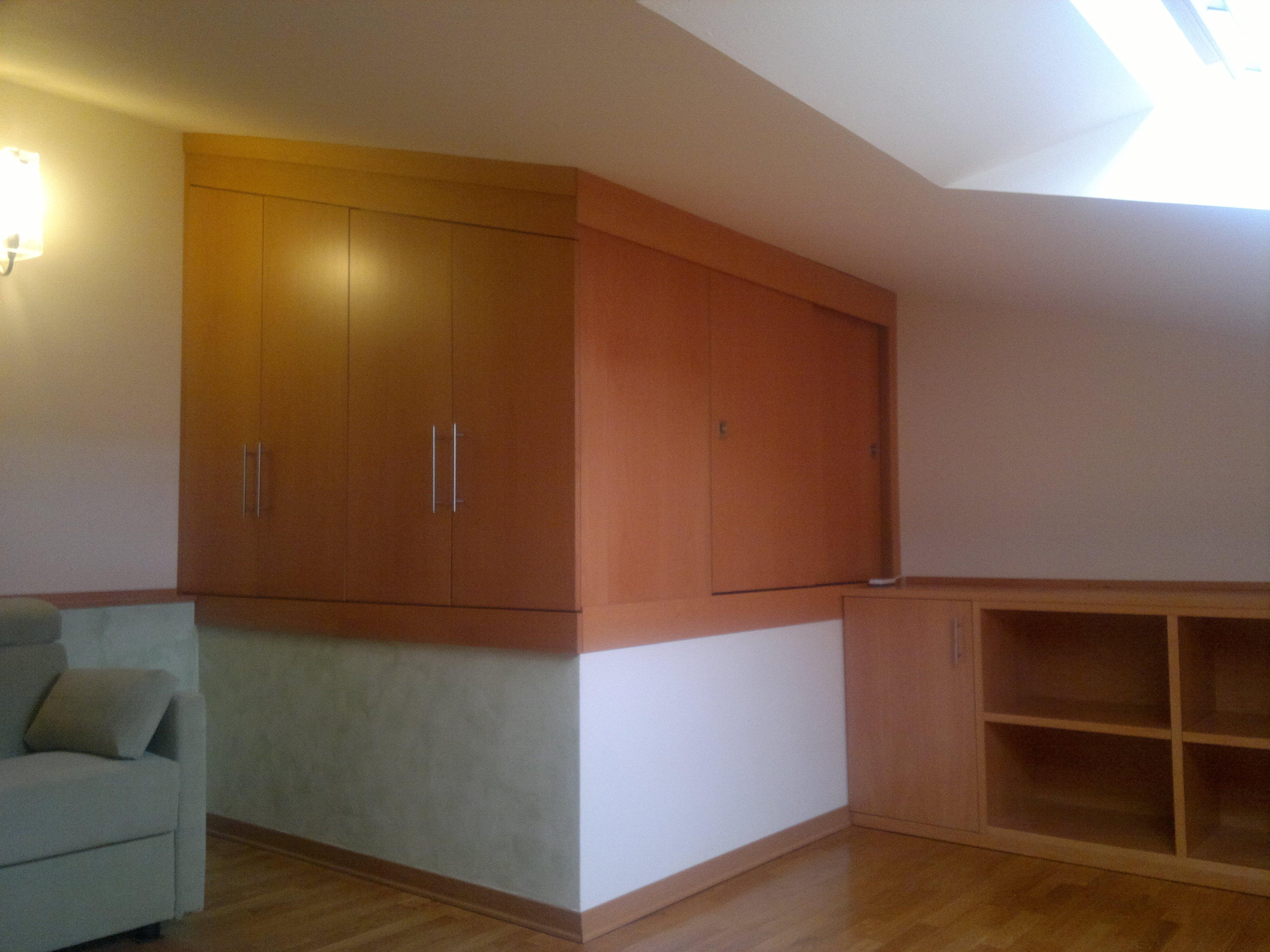 Mobili per mansarda legno design casa creativa e mobili - Mobili di legno ...