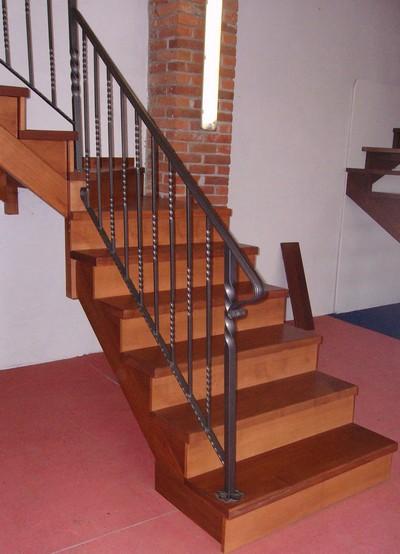 Scale interne in legno e metallo scale a giorno in - Scale prefabbricate in legno ...