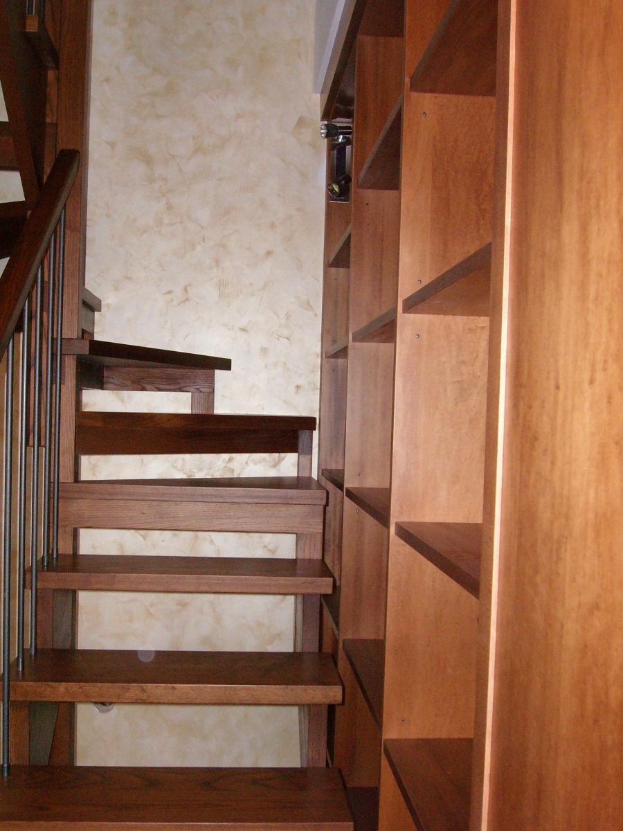 Chiusura scale per risparmio energetico arredamento for Scala per libreria
